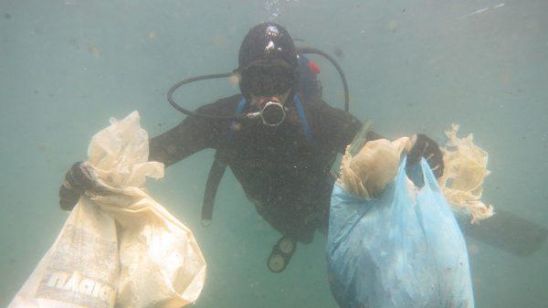 underwater cleaning of Alimos beach